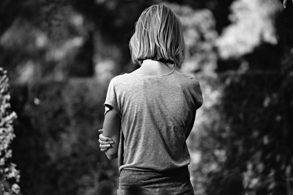 Học cách nói chuyện một mình thay vì chém gió với thế giới
