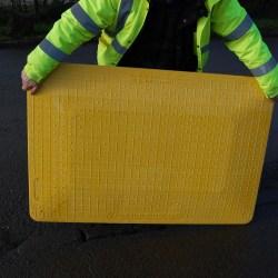 Planchas cubre zanjas de plástico