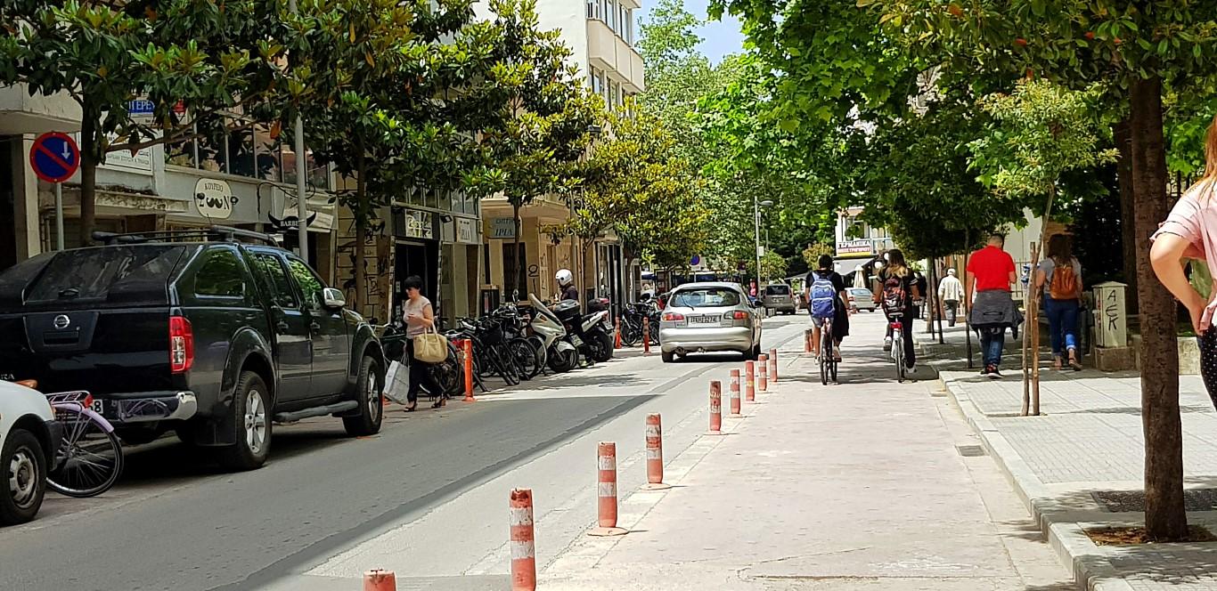 Αυστηρά μέτρα για τους ποδηλάτες παίρνει η τροχαία στα Τρίκαλα - Τσουχτερά τα πρόστιμα