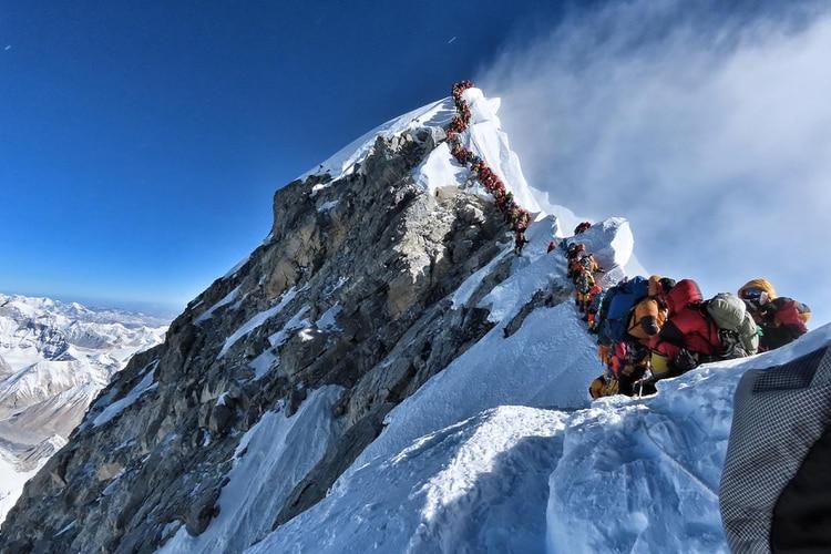 Se recolectaron diez toneladas de basura del monte Everest,  durante la búsqueda de cadáveres.