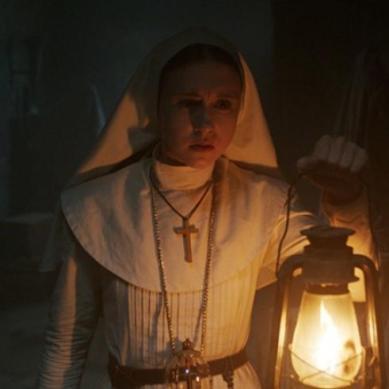 Taissa Farmiga conta sobre como é fazer parte do universo de 'Invocação do Mal'