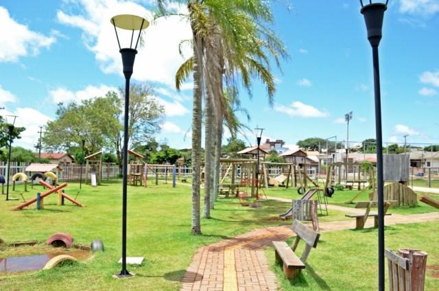 Parque infantil Mamborê
