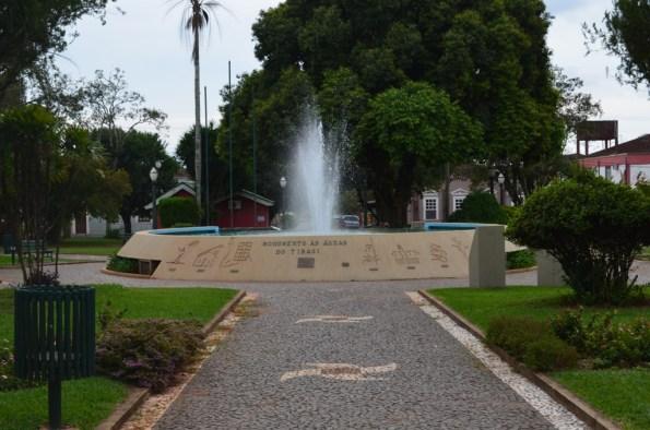 Praça no centro de Tibagi-PR