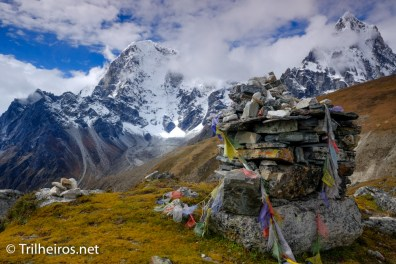 Memorial do Everest - Trekking Campo Base Everest Trilheiros
