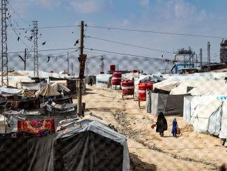 """Camp d'Al-Hol, en Syrie : """"Le risque de dispersion des prisonniers est grand"""""""
