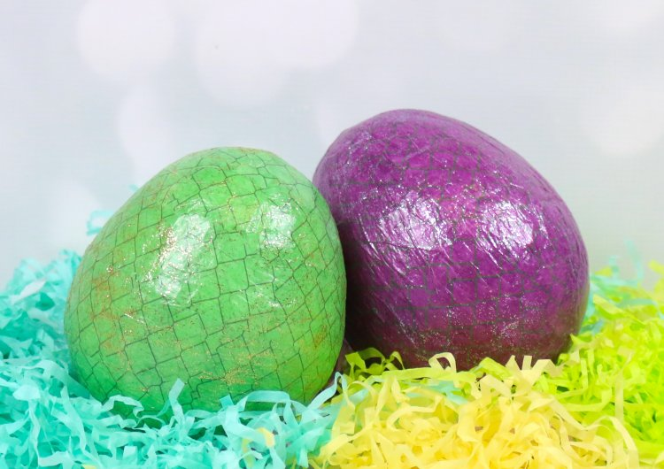 Gently roll the egg in the vinegar and remove. Dragon Egg Money Box Kids Craft Pro The Craft Blog