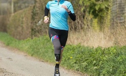 Hannah Moore no se rindió al haberse amputado una pierna y ahora es campeona paralímpica de su país.