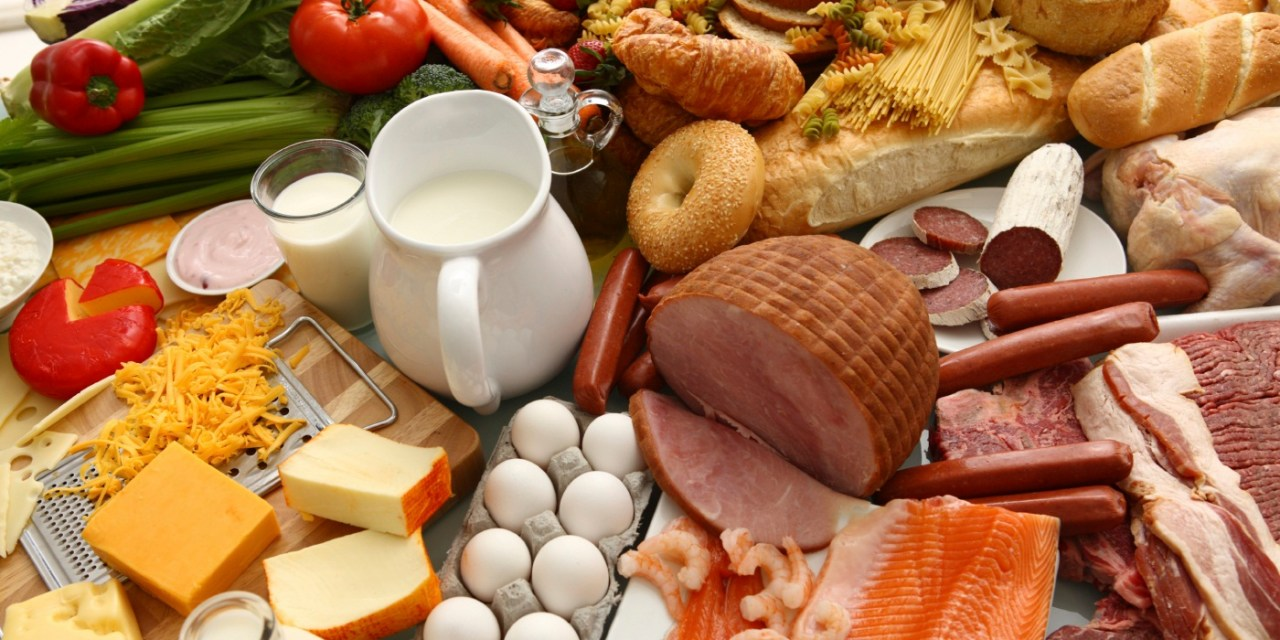 Alimentos con altas fuentes de proteína.