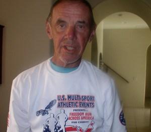 Fallece Tom Knoll, uno de los 12 triatletas que hicieron el primer Ironman.