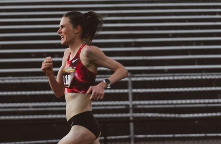 Bate Gwen Jorgensen su propio récord en 3K