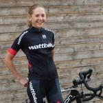 Recomienda Lucy Gossage tener objetivos 'inteligentes' para triunfar en el triatlón