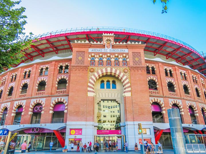 Arenas de Barcelona Plaça d'Espanya Plaza de España Best Places to See First Time Visitor Barcelona Spain