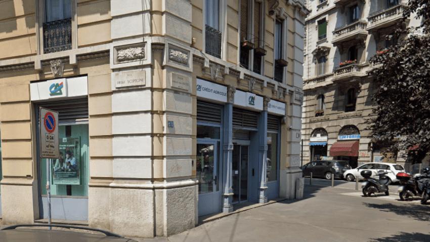 Asaltantes roban banco en Milán
