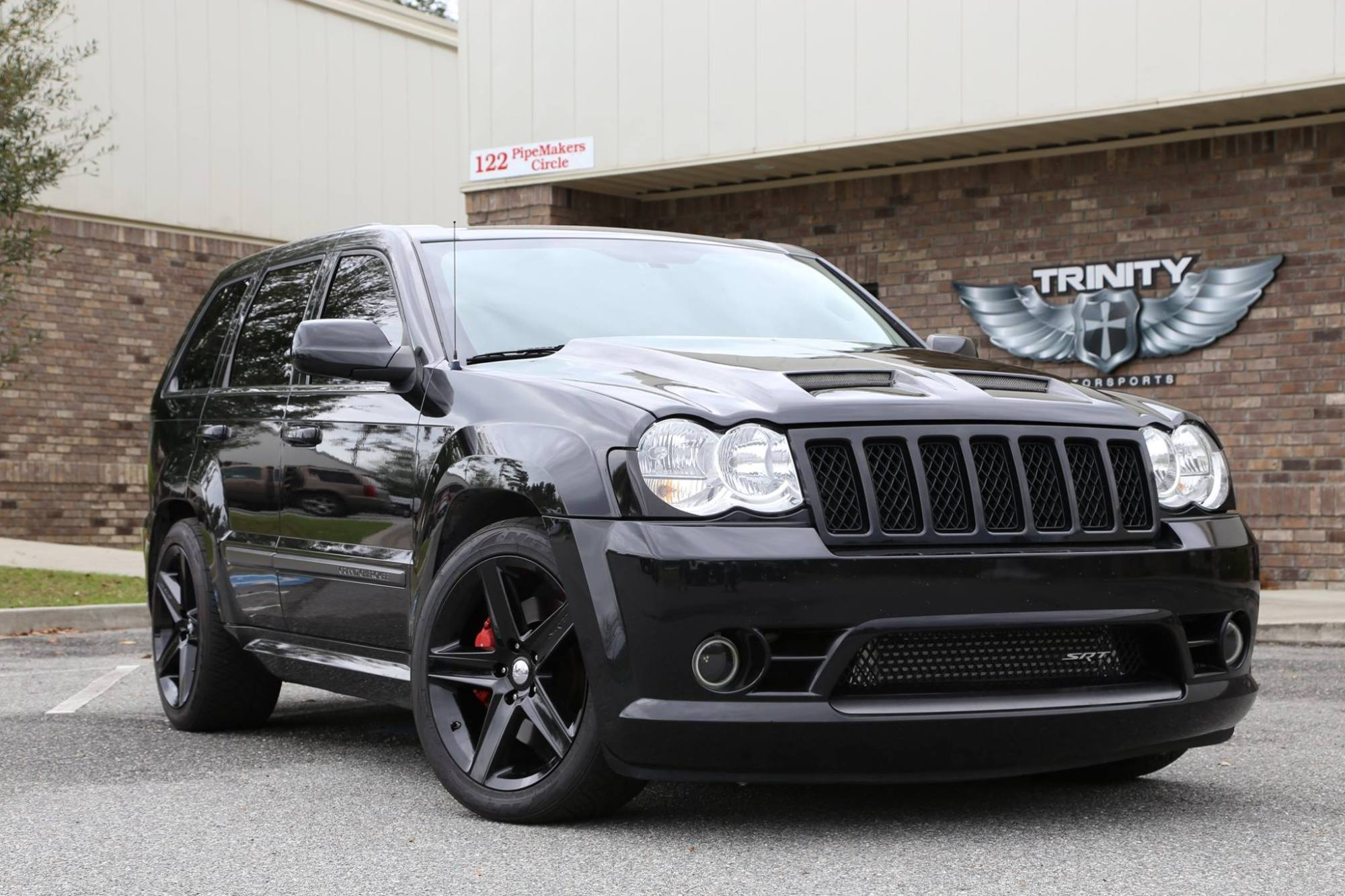 hight resolution of demonized srt8 grand cherokee