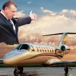 Mark_Barclay_praying_for_a_plane_pimppreacher