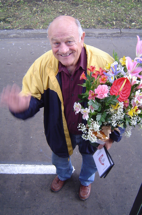 Ray_with_flowers