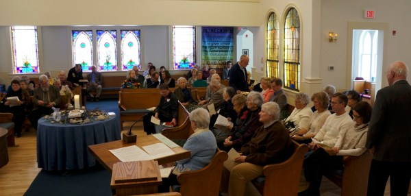 Worship in the round at Trinity Church UCC, Lent 2016