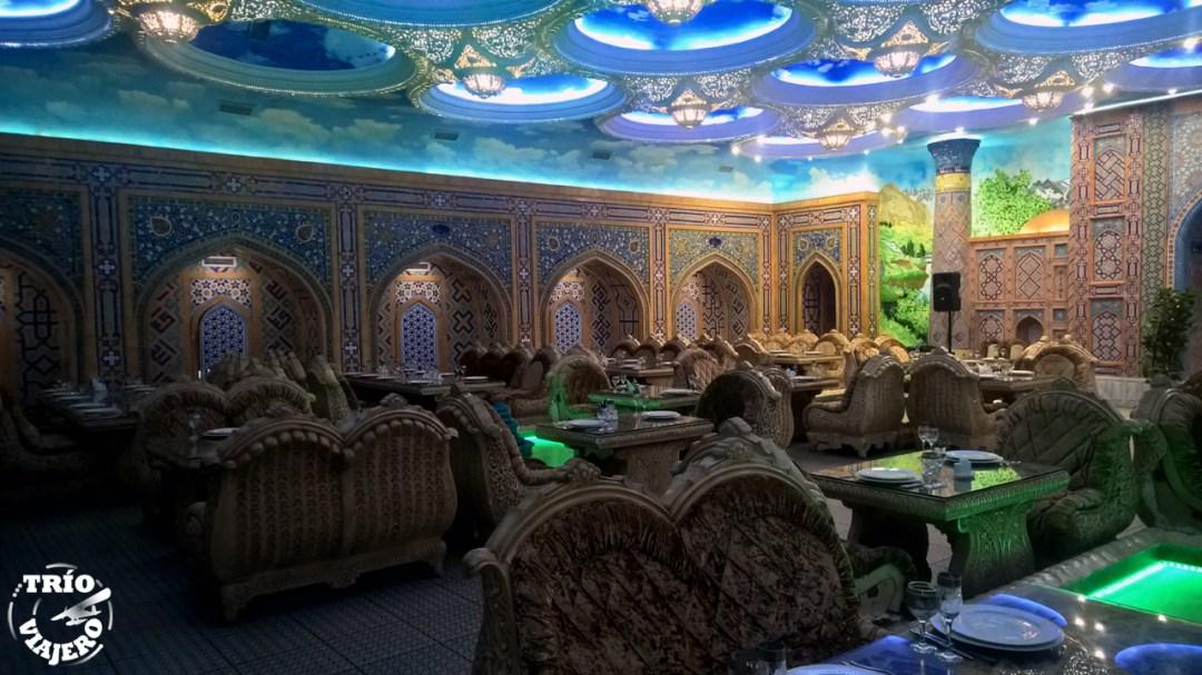 Wax - restaurante tártaro (Kazán - Rusia - Europa) ⋆ Trio Viajero