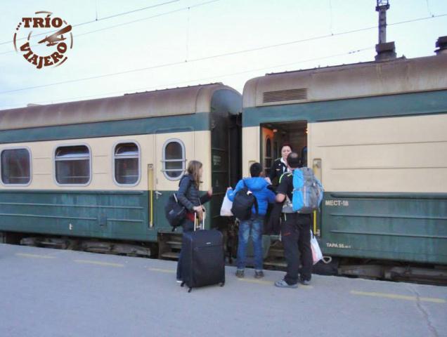 azafata_provoditsya_tren_ex_sovietico