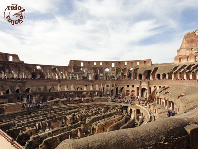 Italia_Roma_Coliseo_por_dentro