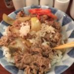日本のソウルフード、牛丼をベトナムで食らう