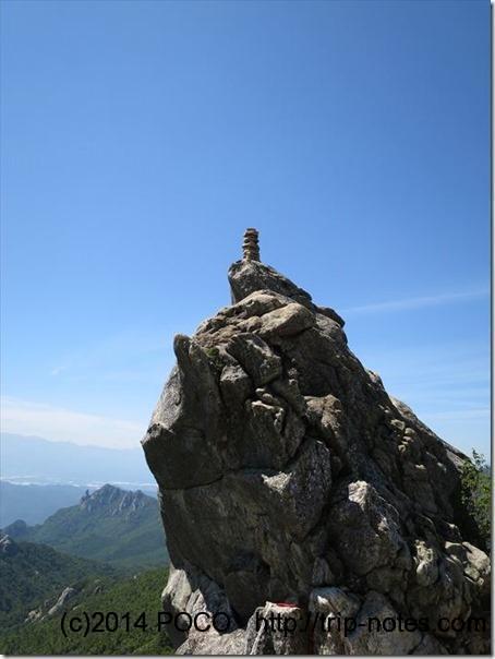 金峰山小屋の岩
