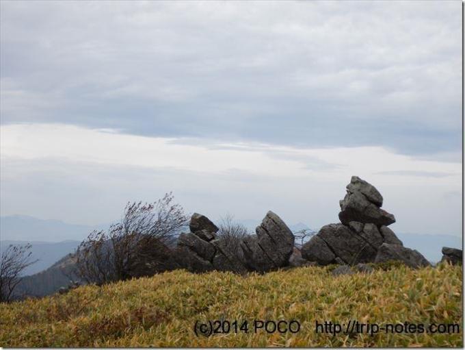 霧ケ峰高原物見岩
