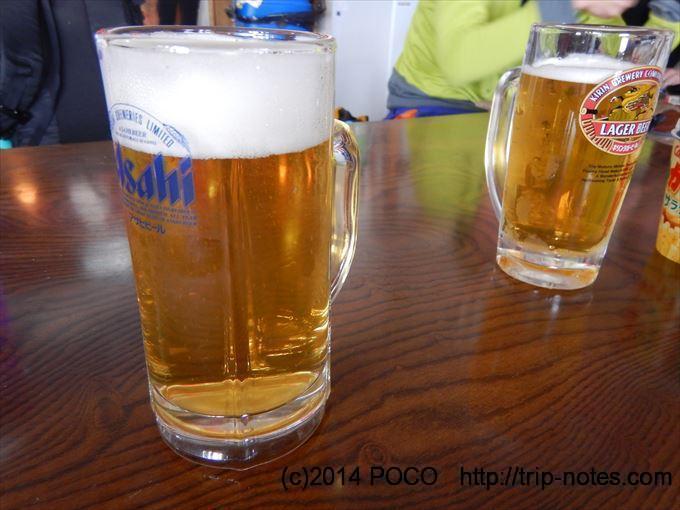 雷鳥沢ヒュッテで生ビール