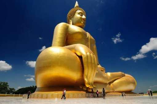 Самая огромная статуя Будды из золота