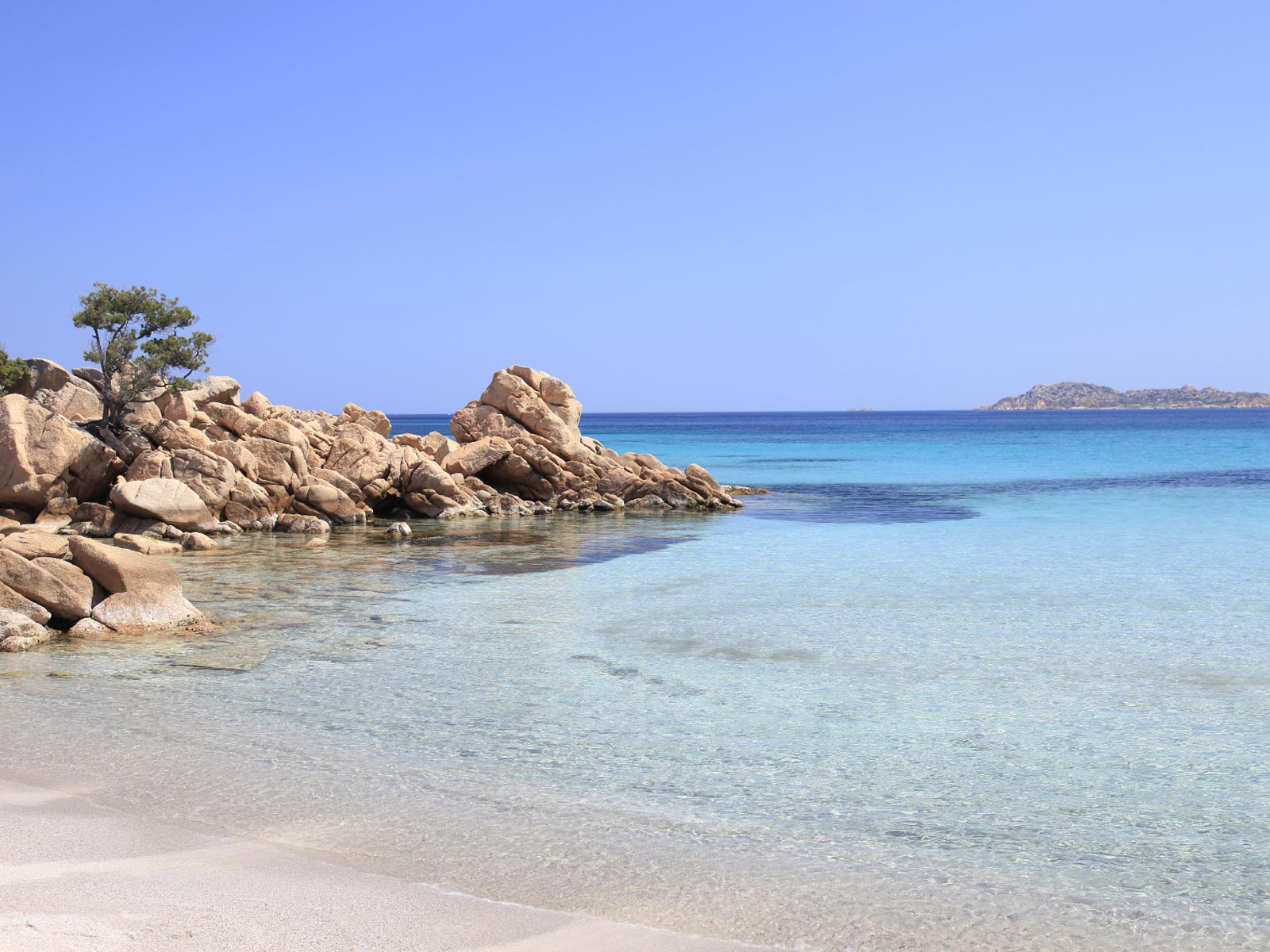 Sardiniapropertyfinder: find home in other countries