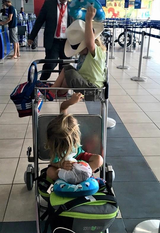 aéroport panama avec des enfants