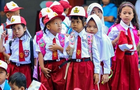 Banyak siswa Kelas 4 SD Jaya 32 orang, siswa perempuan sebanyak 24 orang