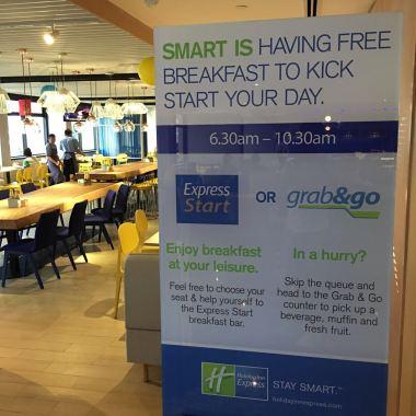 hie-greatroom-breakfast