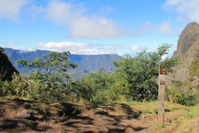 2015-08-09 - 02 - GR2 jusq Taibit - Marla à Cilaos - Mafate Trek Tour - La Réunion (70)