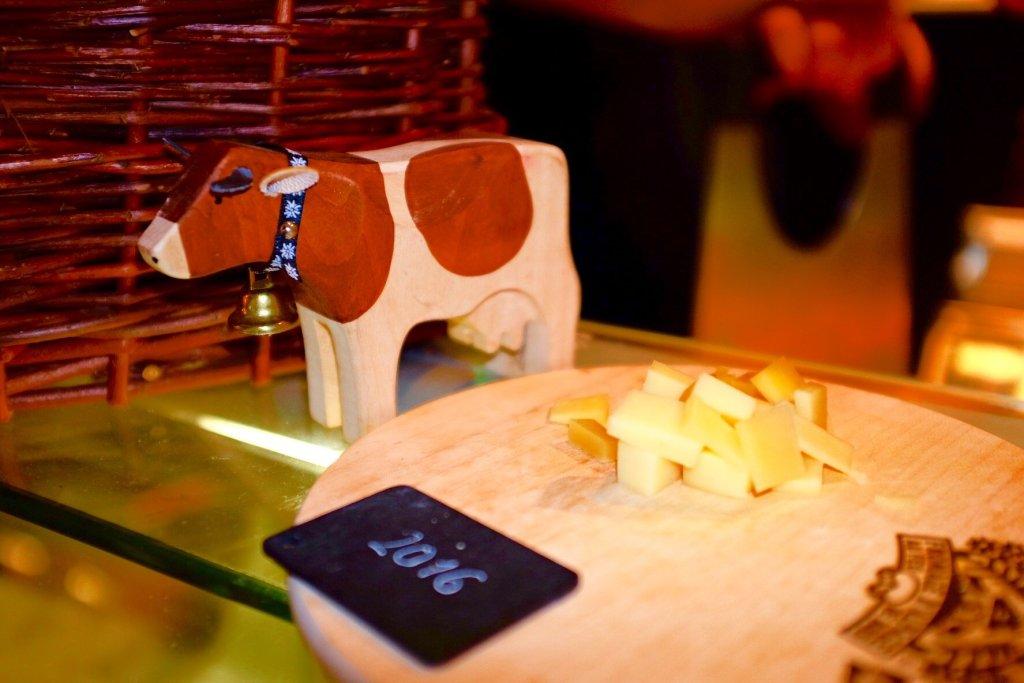 Weinmesse Swiss cheese - L'Etivaz AOP