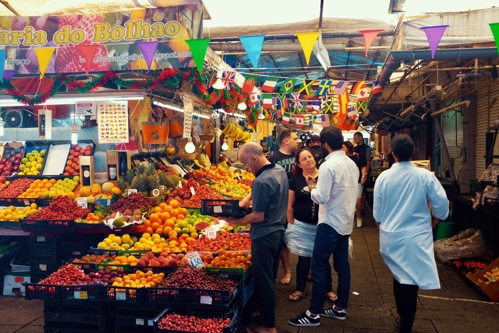 Three days in Porto . Mercado do Bolhão fruit part