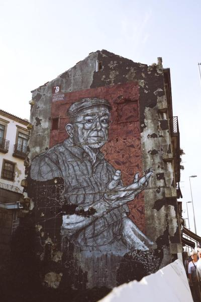 Three days in Porto . The whole facade was a street art