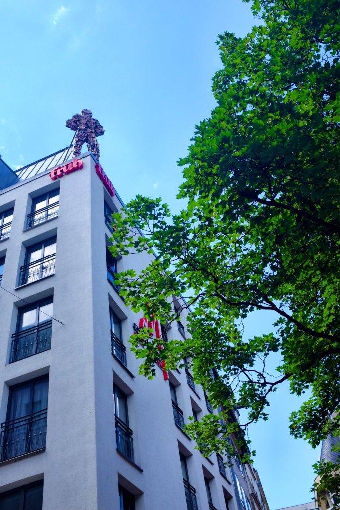 statue iron Köln Cologne Gallery Trip Gourmets