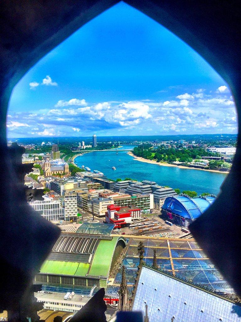 Keyhole view Rhein Cologne Gallery Trip Gourmets