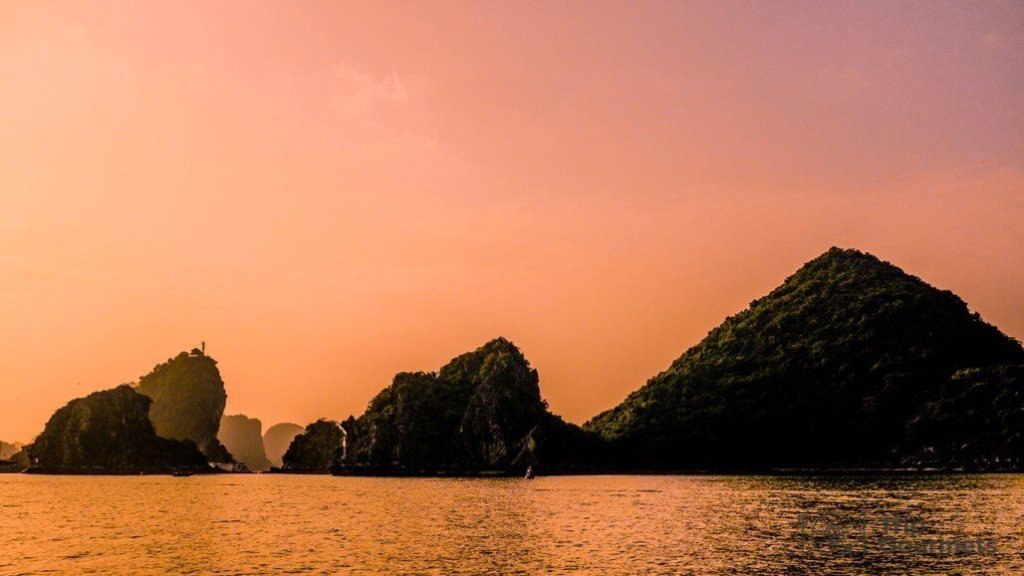 Halong bay cruise review sunset islands