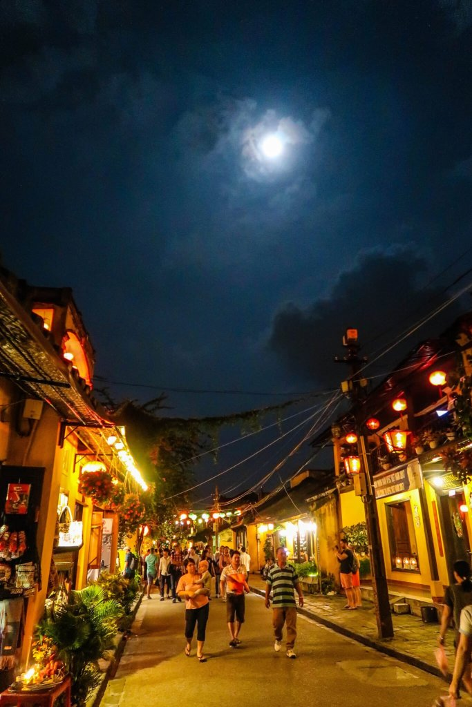 Hoi An Lantern Festival full moon strret