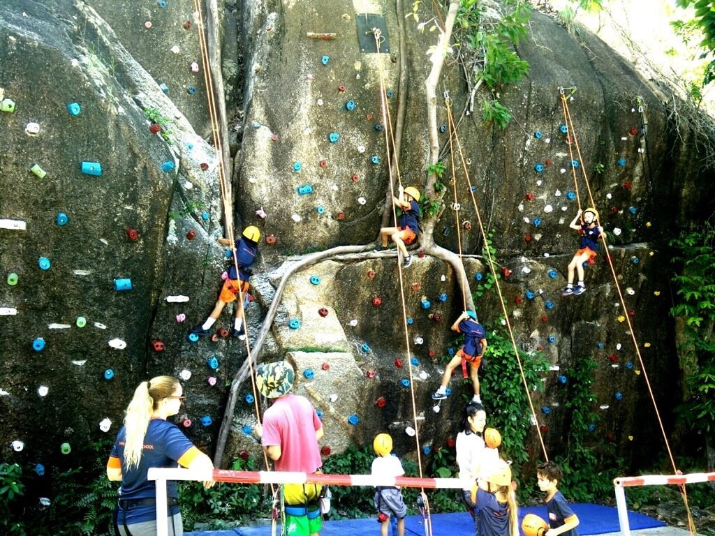 Activities Koh Samui climbing rock robes wall kids