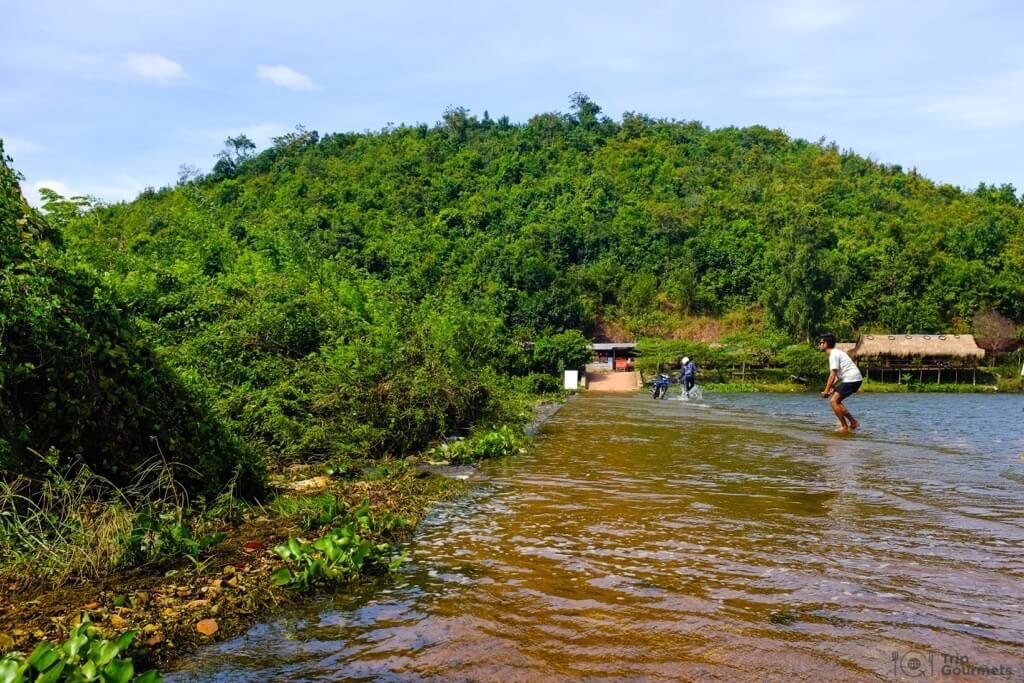 Things to do in Kampot cambodia Secret Lake flooded dam