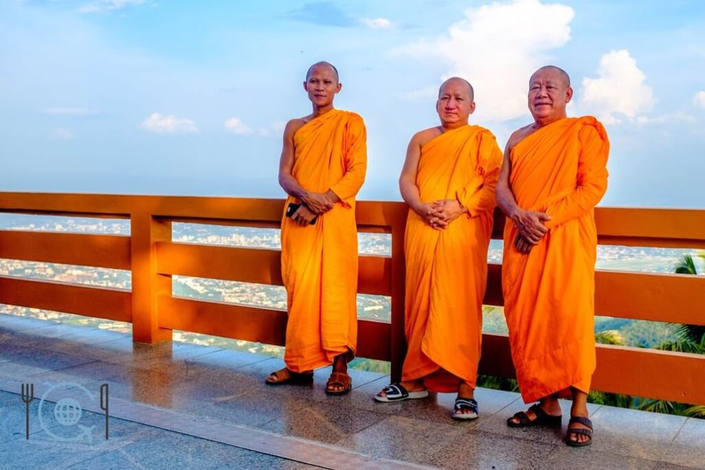 Chiang Mai Itinerary Doi Suthep monks