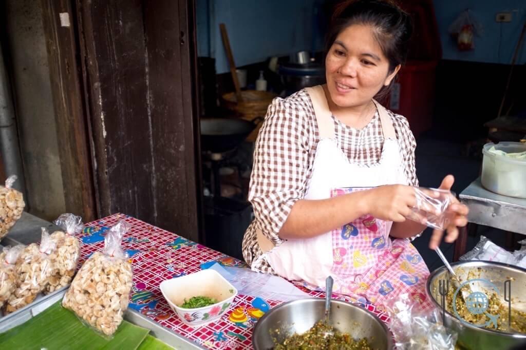 Cooking School Chiang Mai Pork skin vendor