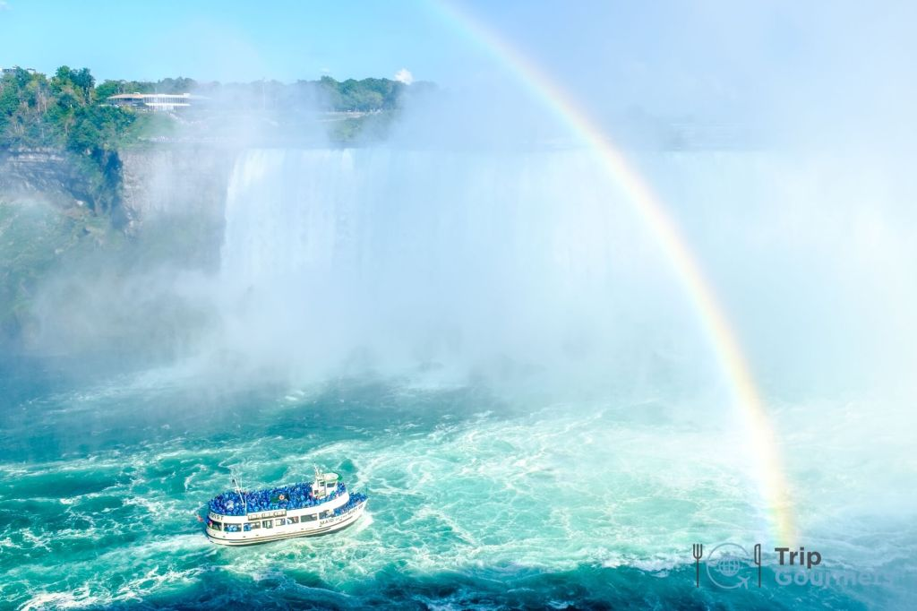 Things to do in Niagara Falls for couples - Boat ride 2
