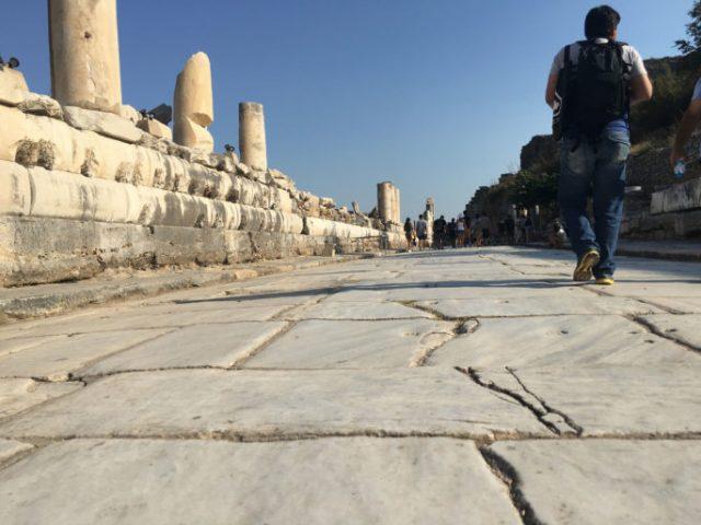 Caminando por Efeso