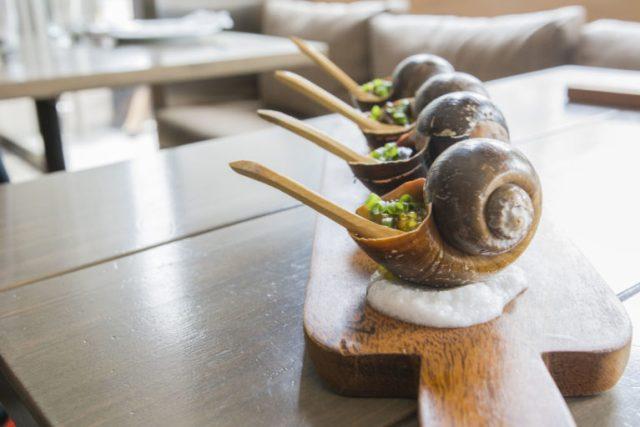 Caracoles con tapioca Restaurante Amaz