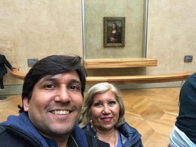 Con las Monas