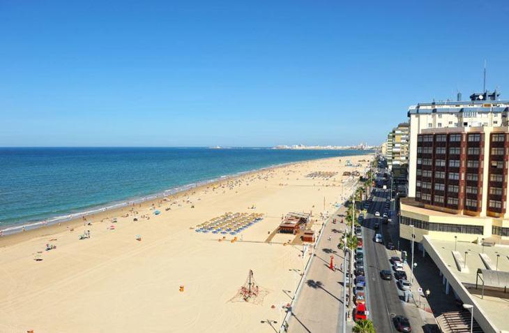 Playa de la Victoria - Tripkay